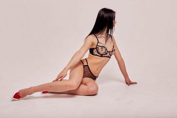 Вика, 25 лет: БДСМ, страпон, прочие секс-услуги