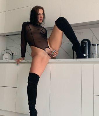 Яна вирт — проститутка для семейных пар, рост:  166, вес:  56